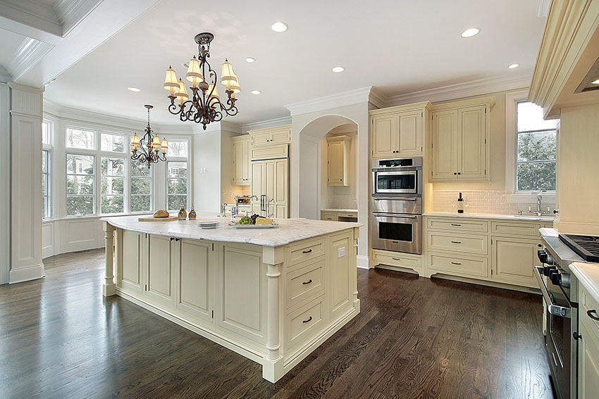 amaretto cream kitchen cabinets
