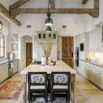 Create A Warm Atsmosphere With Rustic Kitchens