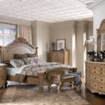 Floral Bedroom Furniture Ideas to Bring Natural Nuance