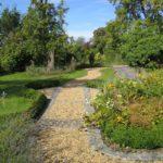 country garden edging ideas