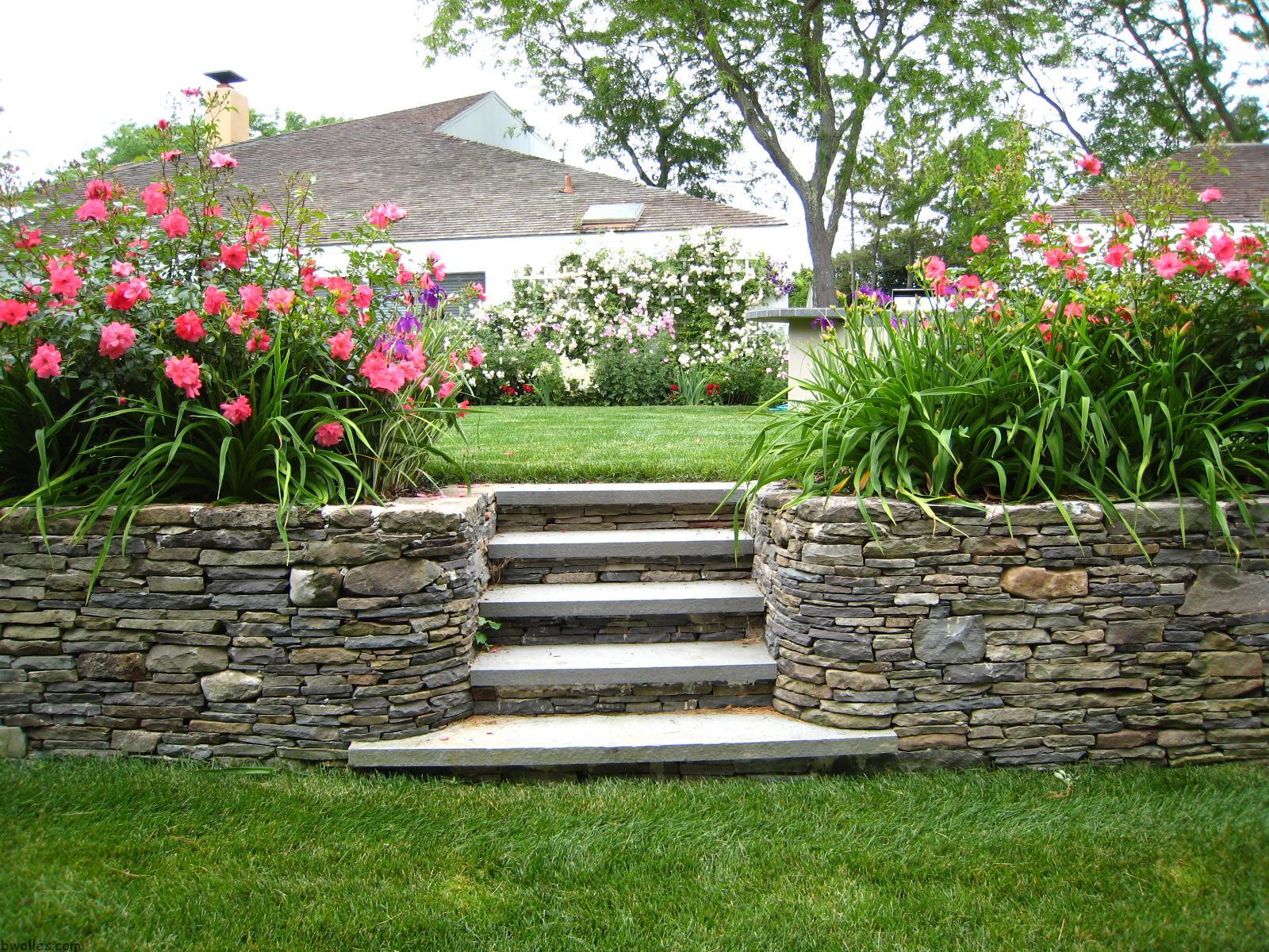 landscaping stone fence